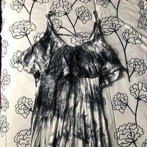 Dresses & Skirts - Acid wash maxi dress 🖤
